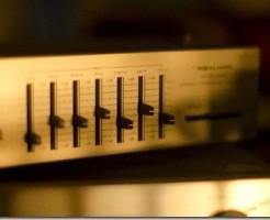 音楽プレイヤーの音質調整機能 400とか1kとかの意味は?